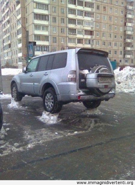Stamattina abbiamo visto un'auto così immaginidivertenti.org