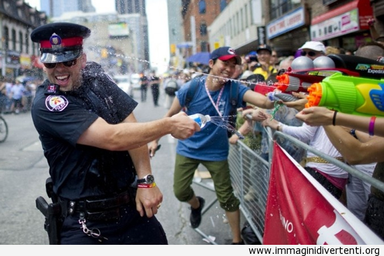 Auguro ogni polizia era proprio come lui immaginidivertenti.org