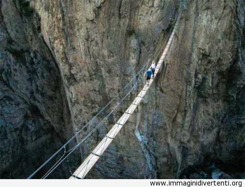 Una ponte impressionante immaginidivertenti.org