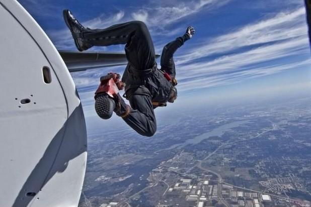 Saltare dall'aereo immaginidivertenti.org