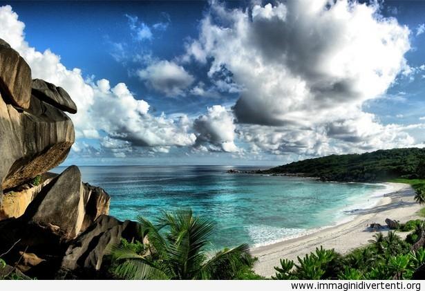 La bella spiaggia delle Seychelles immaginidivertenti.org