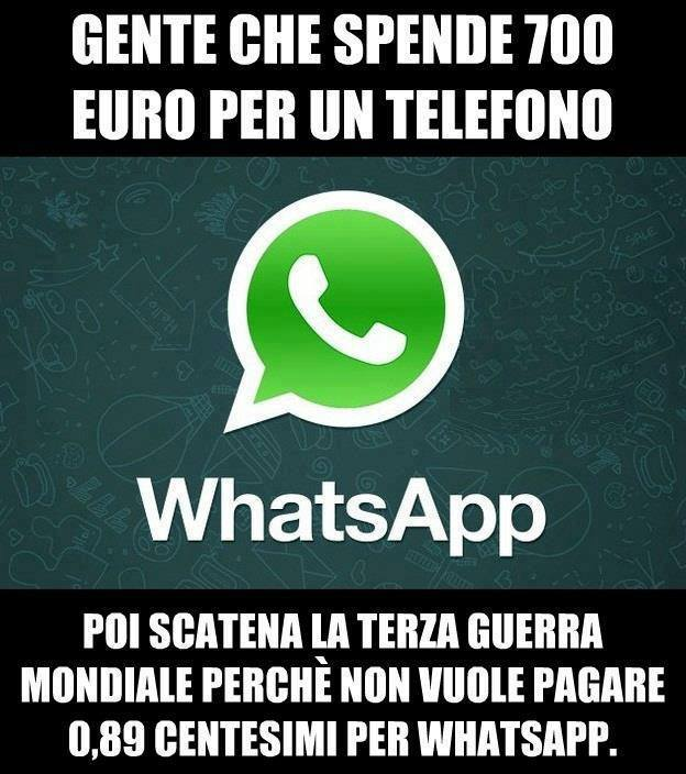 Gente che spende 700 euro per un telefono immaginidivertenti.org