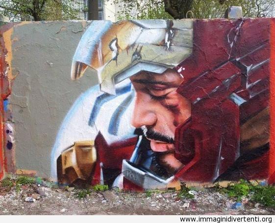 Nel frattempo in Russia: arte di strada Iron Man immaginidivertenti.org