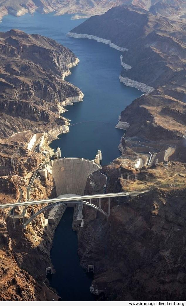 Vista aerea della diga di Hoover immaginidivertenti.org